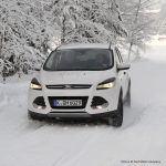 How do I drive an automatic car in snow?