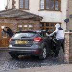 How does a Faraday Bag or signal blocker for a keyless car work?